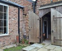 Snaptrip - Last minute cottages - Superb Macclesfield Cottage S45565 -