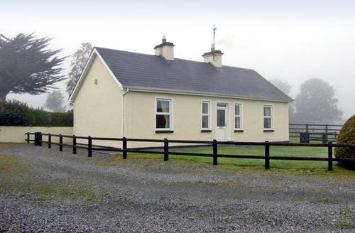 Snaptrip - Last minute cottages - Exquisite  Cottage S5035 -