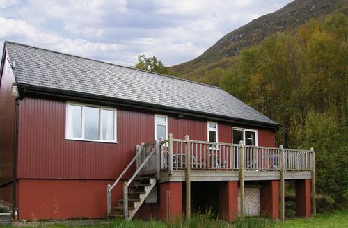 Snaptrip - Last minute cottages - Luxury Kinlochleven Chalet S5037 -
