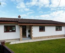 Snaptrip - Last minute cottages - Stunning Holsworthy Lodge S45714 -