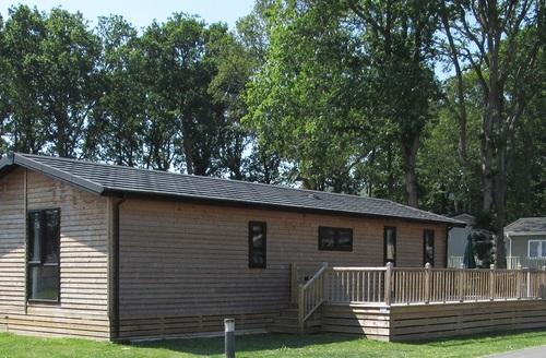 Snaptrip - Last minute cottages - Quaint Hastings Lodge S45727 -