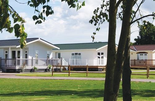 Snaptrip - Last minute cottages - Gorgeous Clacton On Sea Lodge S45726 -