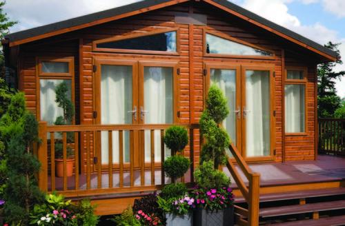 Snaptrip - Last minute cottages - Quaint North Walsham Lodge S45755 -