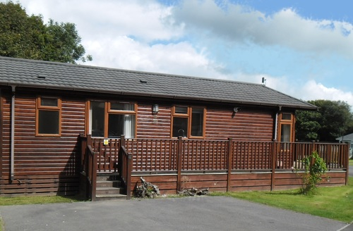 Snaptrip - Last minute cottages - Lovely Holsworthy Lodge S45766 -