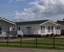 Snaptrip - Last minute cottages - Stunning Clacton On Sea Lodge S45794 -