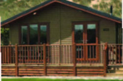 Snaptrip - Last minute cottages - Luxury Holsworthy Lodge S45800 -