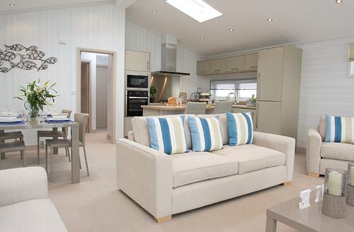Snaptrip - Last minute cottages - Tasteful North Walsham Lodge S45803 -