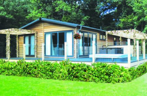 Snaptrip - Last minute cottages - Wonderful Holsworthy Lodge S45815 -