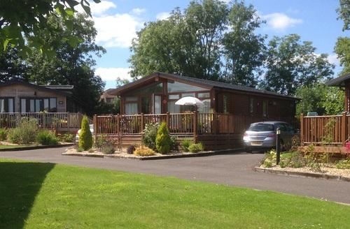 Snaptrip - Last minute cottages - Wonderful Honiton Lodge S45818 -