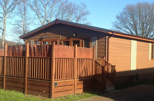 Snaptrip - Last minute cottages - Luxury Hastings Lodge S45836 -