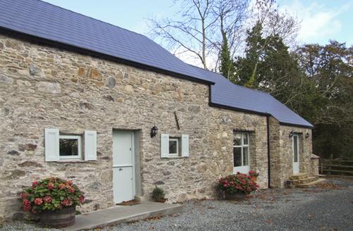 Snaptrip - Last minute cottages - Quaint  Cottage S5069 -
