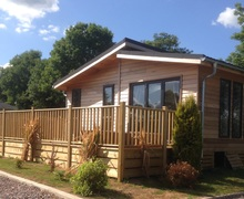 Snaptrip - Last minute cottages - Luxury Honiton Lodge S45858 -