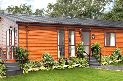 Snaptrip - Last minute cottages - Attractive North Walsham Lodge S45865 -
