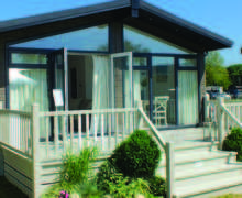 Snaptrip - Last minute cottages - Quaint North Walsham Lodge S45870 -