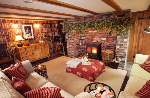 Snaptrip - Last minute cottages - Quaint Hereford Barn S45933 -