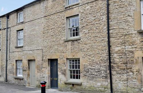 Snaptrip - Last minute cottages - Splendid Bourton On The Water Cottage S45993 -
