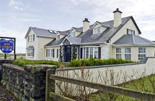 Snaptrip - Last minute cottages - Captivating  View S5093 -