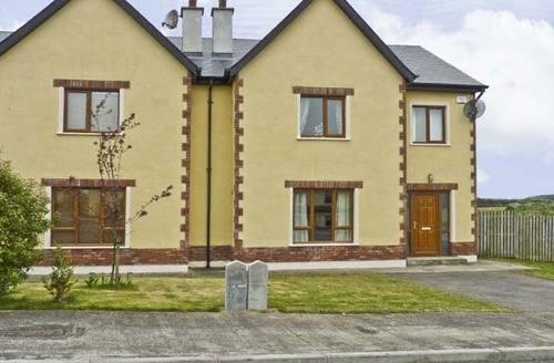 Snaptrip - Last minute cottages - Excellent  Cottage S5111 -
