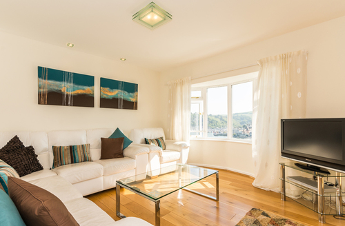 Snaptrip - Last minute cottages - Lovely Dartmouth Apartment S46139 -