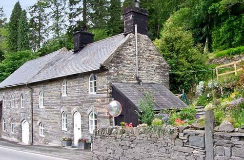Snaptrip - Last minute cottages - Stunning Blaenau Ffestiniog Cottage S5185 -