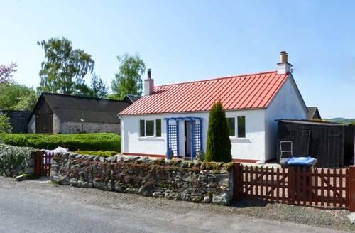 Snaptrip - Last minute cottages - Exquisite Jedburgh Bungalow S5194 -