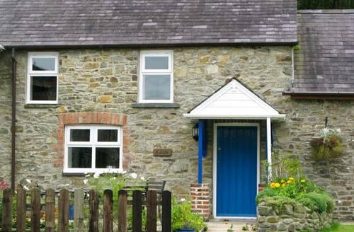 Snaptrip - Last minute cottages - Beautiful Llandysul Hobble S5220 -