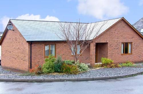 Snaptrip - Last minute cottages - Inviting Aberystwyth Rental S5235 -