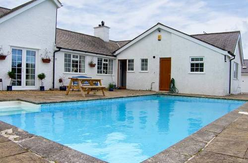 Snaptrip - Last minute cottages - Splendid Amlwch Bach S5253 -