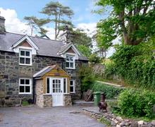 Snaptrip - Last minute cottages - Inviting Llwyngwril Bryn S5255 -