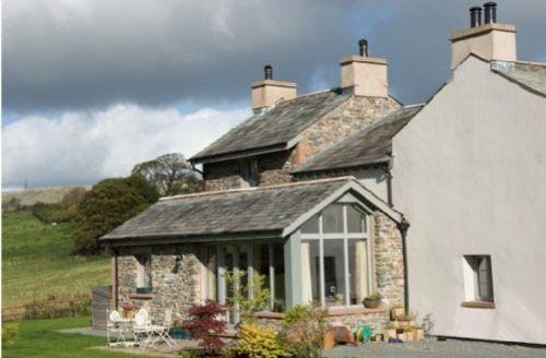 Snaptrip - Last minute cottages - Cosy Kendal Cottage S575 - Hall Beck Cottage, Kendal, Nr Windermere, Lakes Cottage Holidays