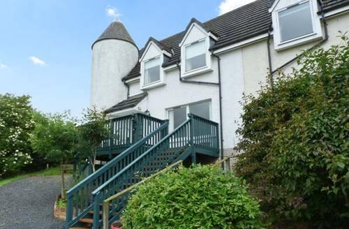 Snaptrip - Last minute cottages - Superb Jedburgh Cottages S5287 -
