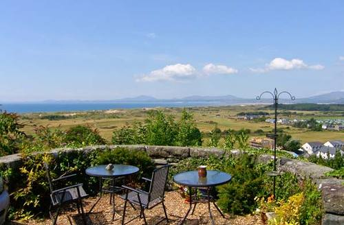 Snaptrip - Last minute cottages - Stunning Harlech Terrace S5298 -