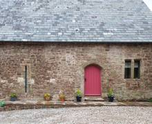 Snaptrip - Last minute cottages - Attractive Monmouth Barn S5300 -