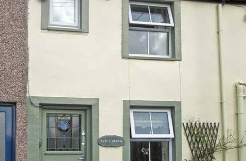 Snaptrip - Last minute cottages - Lovely Talsarnau Berth S5320 -