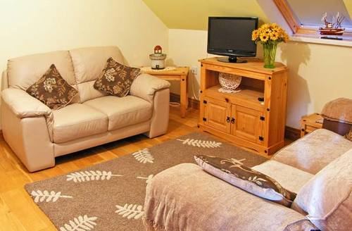 Snaptrip - Last minute cottages - Excellent Kidwelly Rental S5334 -