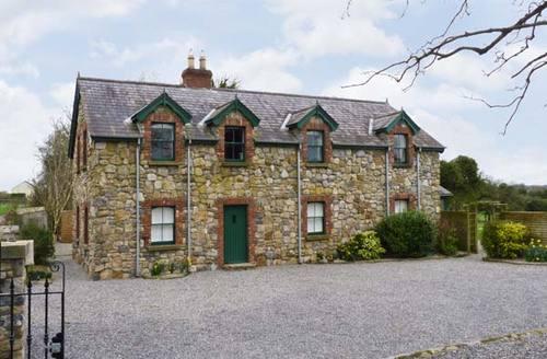 Snaptrip - Last minute cottages - Exquisite  Cottage S5383 -