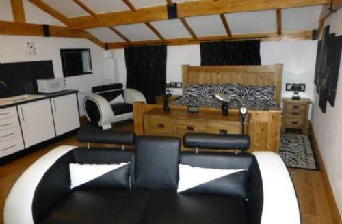 Snaptrip - Last minute cottages - Splendid Dalston Apartment S33850 -