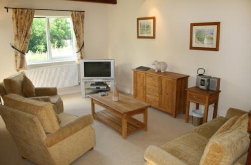 Snaptrip - Last minute cottages - Wonderful Nr Ullswater Cottage S33921 -