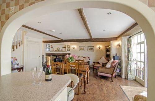 Snaptrip - Last minute cottages - Wonderful Stoke Gabriel Cottage S39459 -