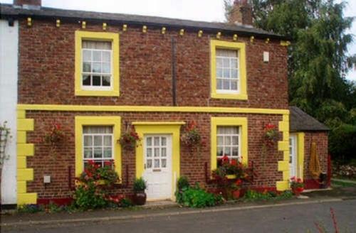 Snaptrip - Last minute cottages - Charming Carlisle Cottage S405 -