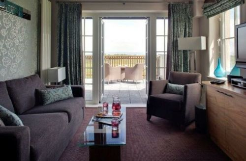 Snaptrip - Last minute cottages - Excellent  Suite S1719 -