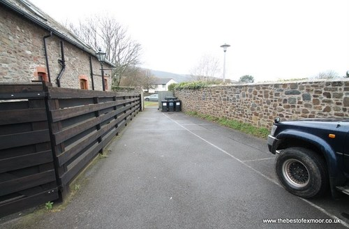 Snaptrip - Last minute cottages - Excellent Porlock Apartment S49674 -