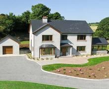 Snaptrip - Last minute cottages - Tasteful  Hall S5480 -