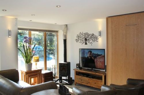 Snaptrip - Last minute cottages - Beautiful Kendal House S589 - The Carriage House, lounge, Lakes Cottage Holidays