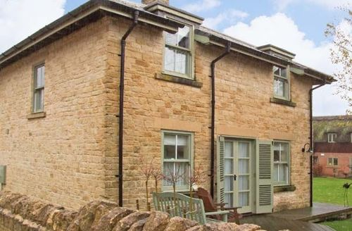 Snaptrip - Last minute cottages - Adorable Cirencester Lodge S2419 -
