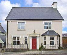Snaptrip - Last minute cottages - Superb  Lawn S5434 -
