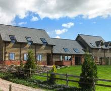 Snaptrip - Last minute cottages - Adorable Newtown Barn S5506 -