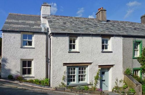 Snaptrip - Last minute cottages - Gorgeous Broughton In Furness Cottage S3866 -