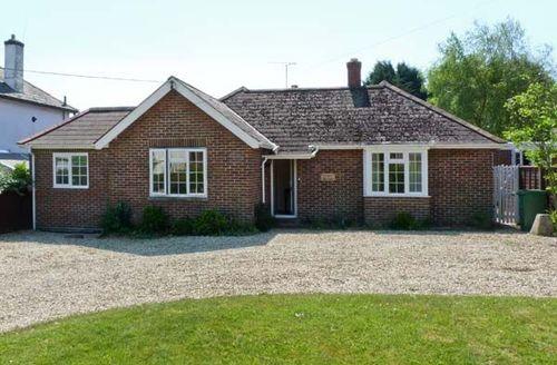 Snaptrip - Last minute cottages - Stunning Bembridge Tifters S3889 -