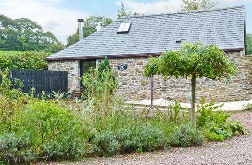 Snaptrip - Last minute cottages - Adorable Torrington Barn S2504 -